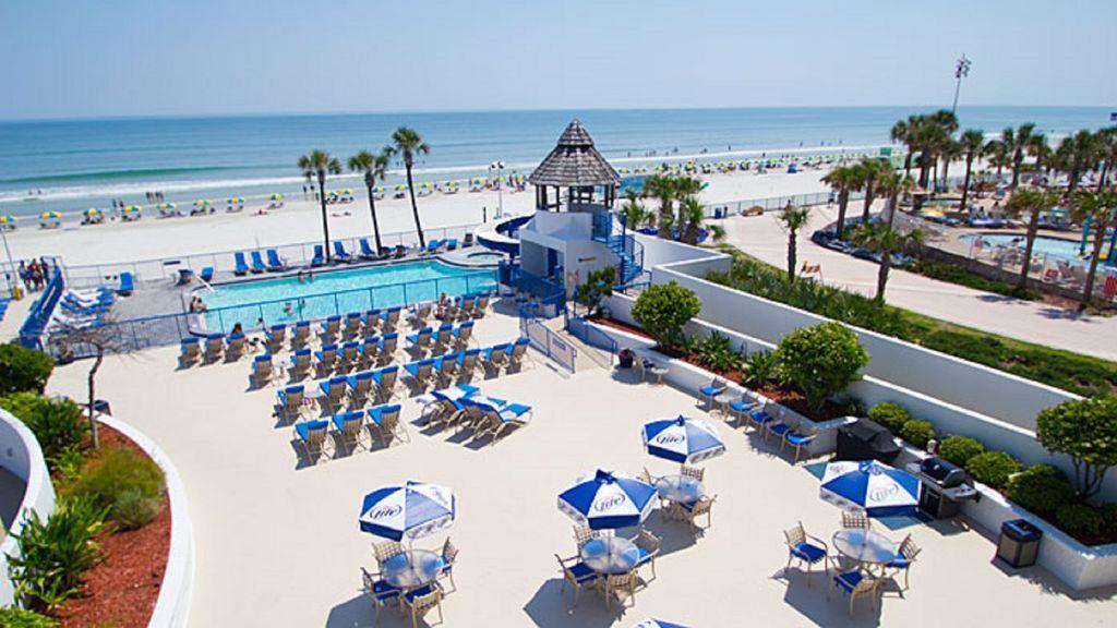 Daytona Beach Regency 2 Bd 2 Bath 2 Kitchens Sleeps 6 Indoor Pool Outdoor Pool Daytona Beach Regency Is Th Daytona Beach Daytona Beach Florida Stay The Night