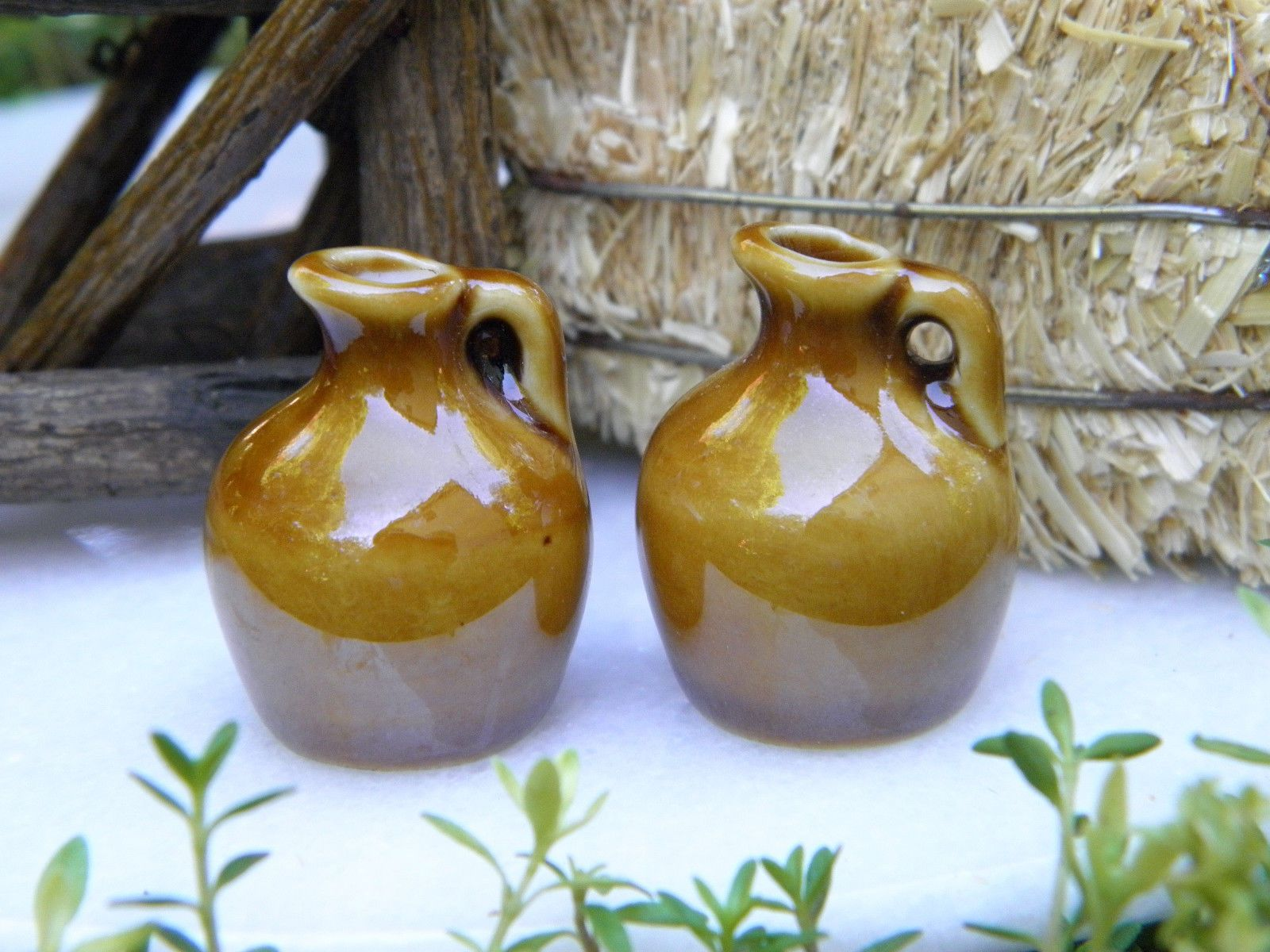 Miniature Dollhouse FAIRY GARDEN Accessories ~ Ceramic Pottery Pitcher ~ NEW