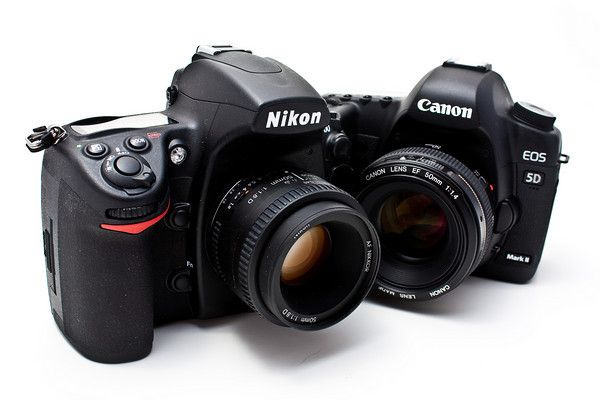 Love Both Of These Cameras So Much Nikon D700 And Canon 5d Mark Ii Photography Help Photoshop Photography Tutorials