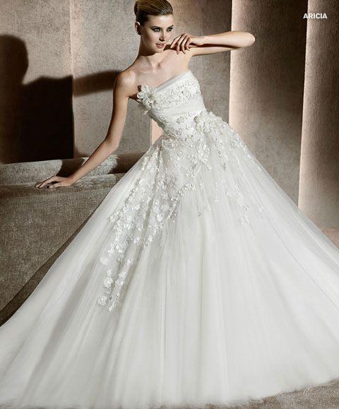 Cosasdebodas.es » La nueva colección de vestidos de novias de Elie Saab