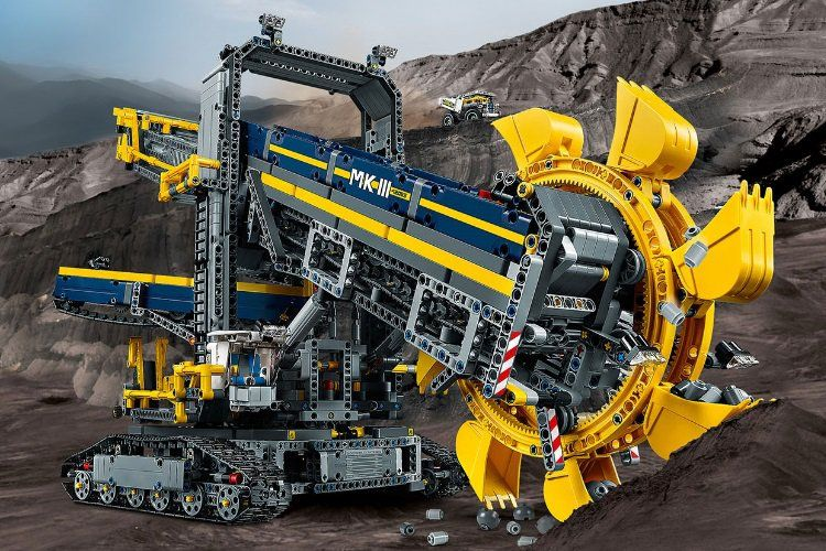 This Colossal Excavator Is The Biggest Lego Technic Set Yet Legos