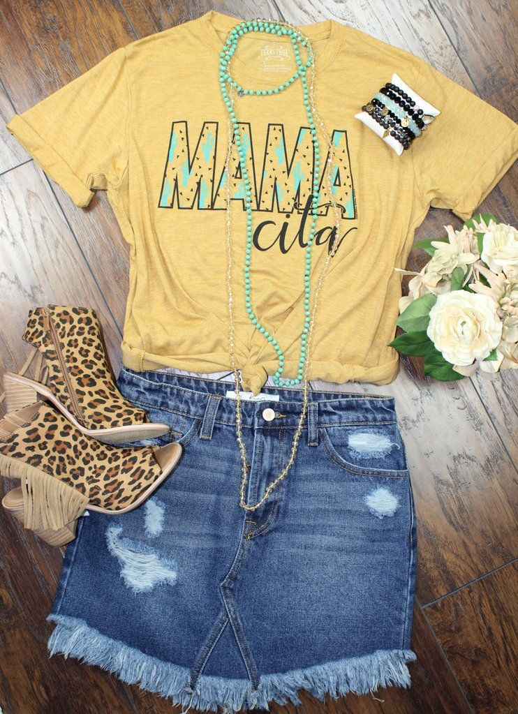 a1930d90d #fashion #graphictee #womensfashion #summer #summerstyle #boutique #texas  #casual #jeans #style #tshirt #plussizefashion #onlineshopping #clothing  #plussize ...