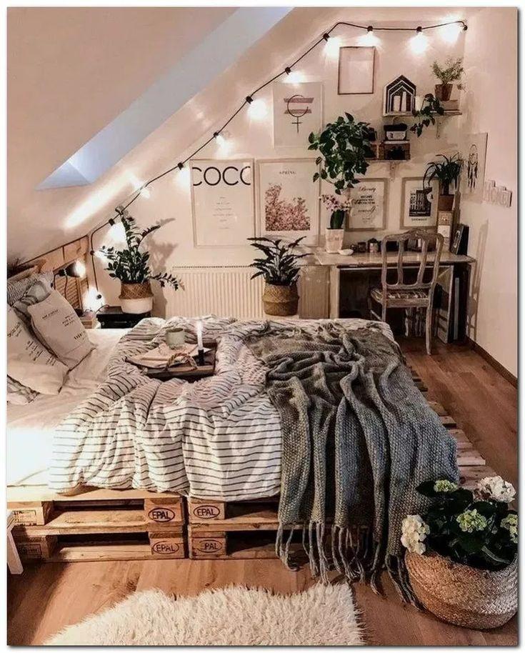 28 DIY Cozy Small Bedroom Einrichtungsideen zum kleinen Preis #cozybedroom #bedroomideas #décorationmaisoncocooning