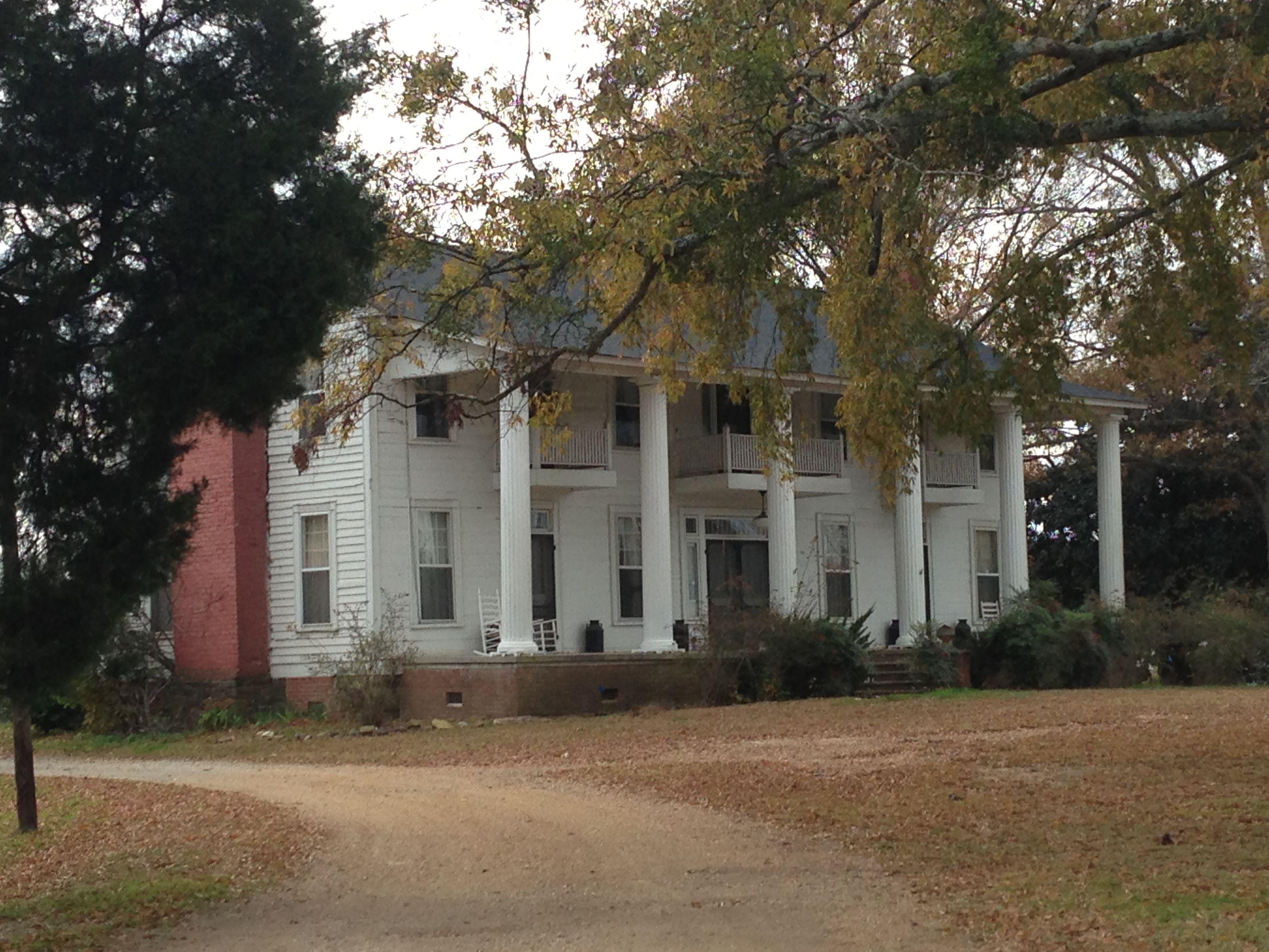 A neat farm house near Gaylesville Alabama Farm life