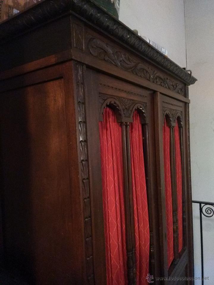 espectacular armario antiguo de madera noble usado para guardar ropa ...