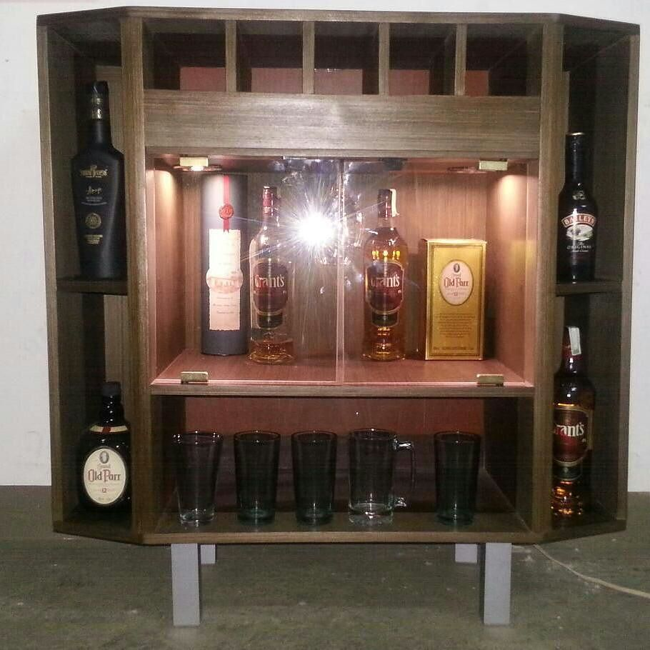 Hoy No Les Traigo Repuesto Les Traigo Este Bello Bar En Madera  # Muebles Para Guardar Whisky