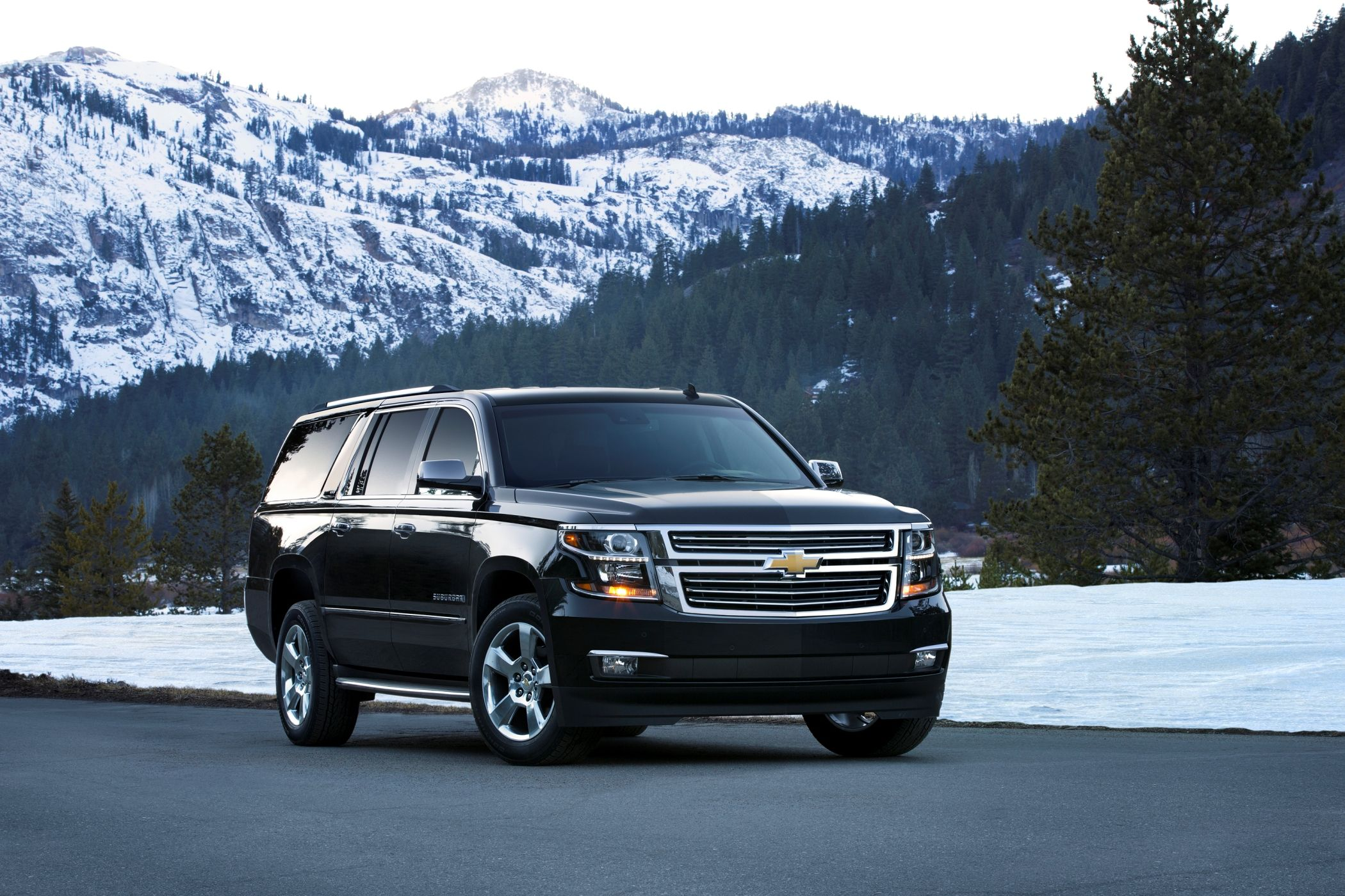 2015 Chevrolet Tahoe And Suburban Clean Powder Landing 30 New Photos Official Pricing From 46 00 Chevrolet Suburban Chevy Suburban Chevy Tahoe