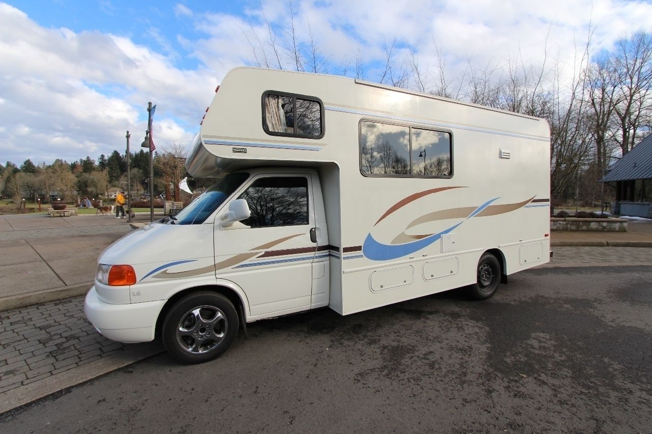 Check out this 2004 Winnebago Vista 21B listing in Portland