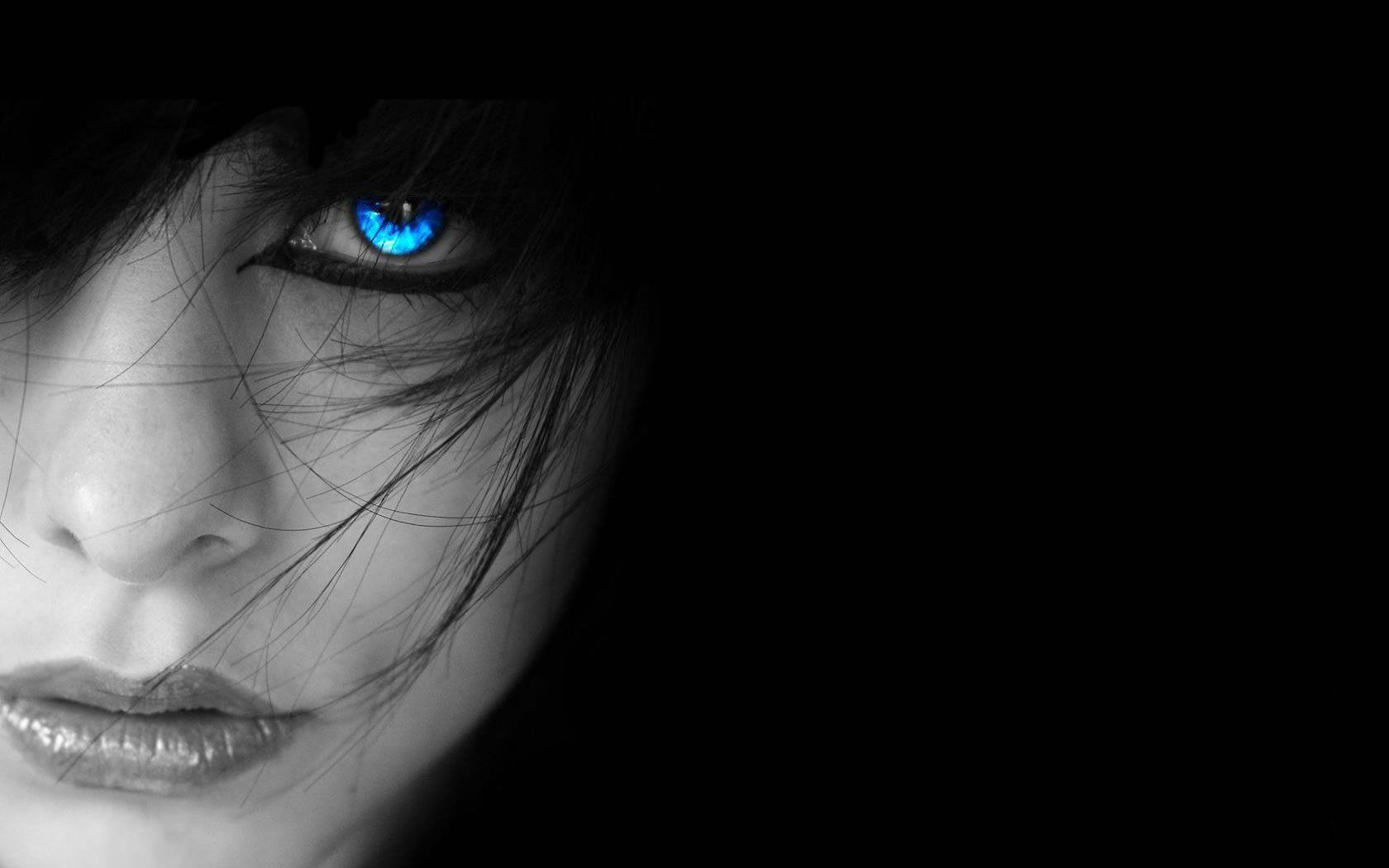 1053116890 Free Beautiful Girl with Blue Eyes at Night Wallpaper | VAMPIRE AND ...