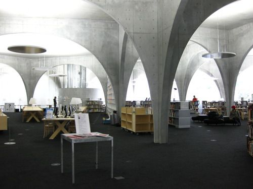 Modern Architecture Arches http://japanamania.tumblr/post/1435854473/102910-kuma-ito