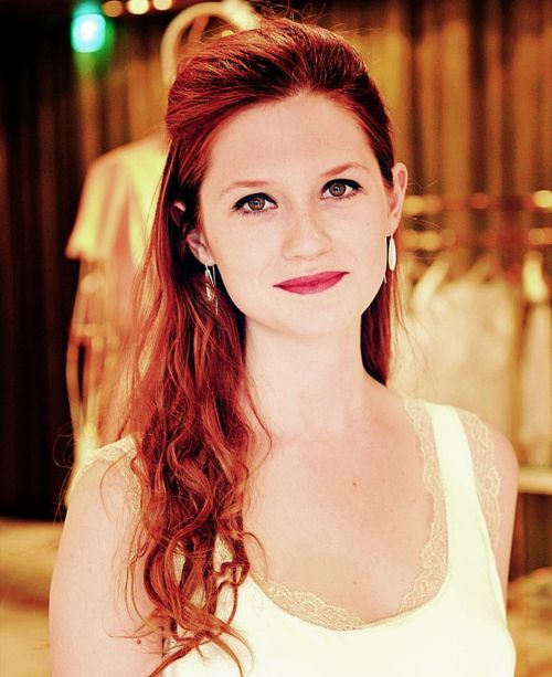 Can I Die My Hair This Color Please Bonnie Wright Bonnie Francesca Wright Beauty
