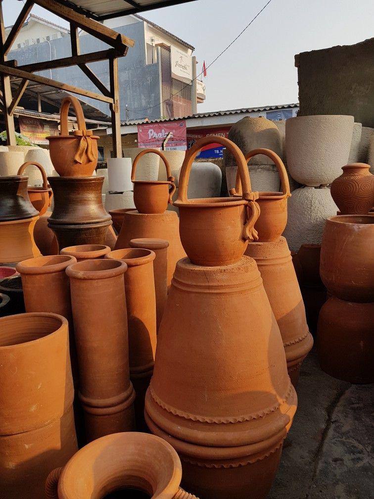 Pot terakota langsung dari yogyakarta ada di showroom kami. Silahkan datang  dan lihat langsung | Yogyakarta