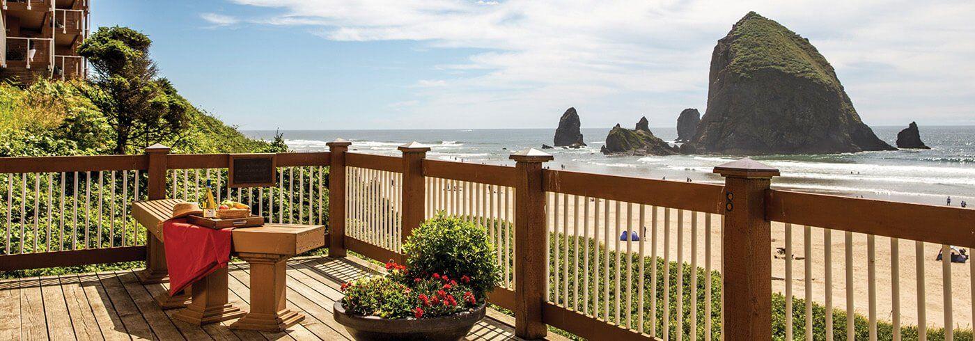 Hallmark Resort Hotels In 2020 Cannon Beach Cannon Beach Hotel Cannon Beach Oregon