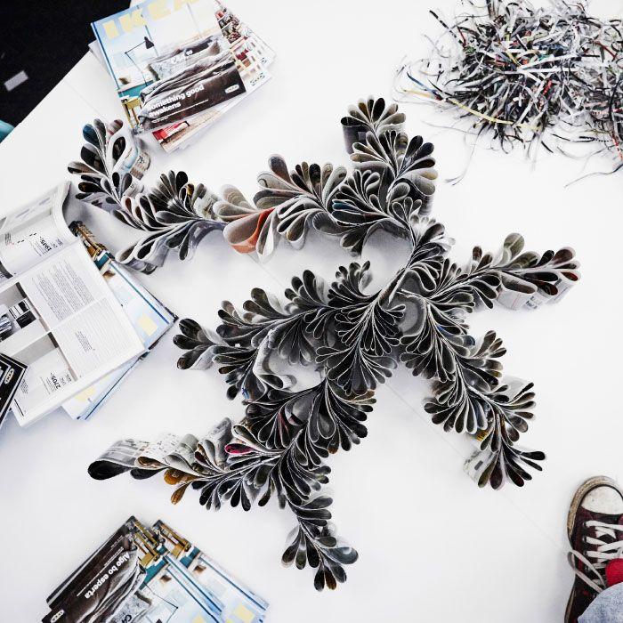 IKEA-kuvaston sivuista tehtyjä kauniita riippukoristeita.