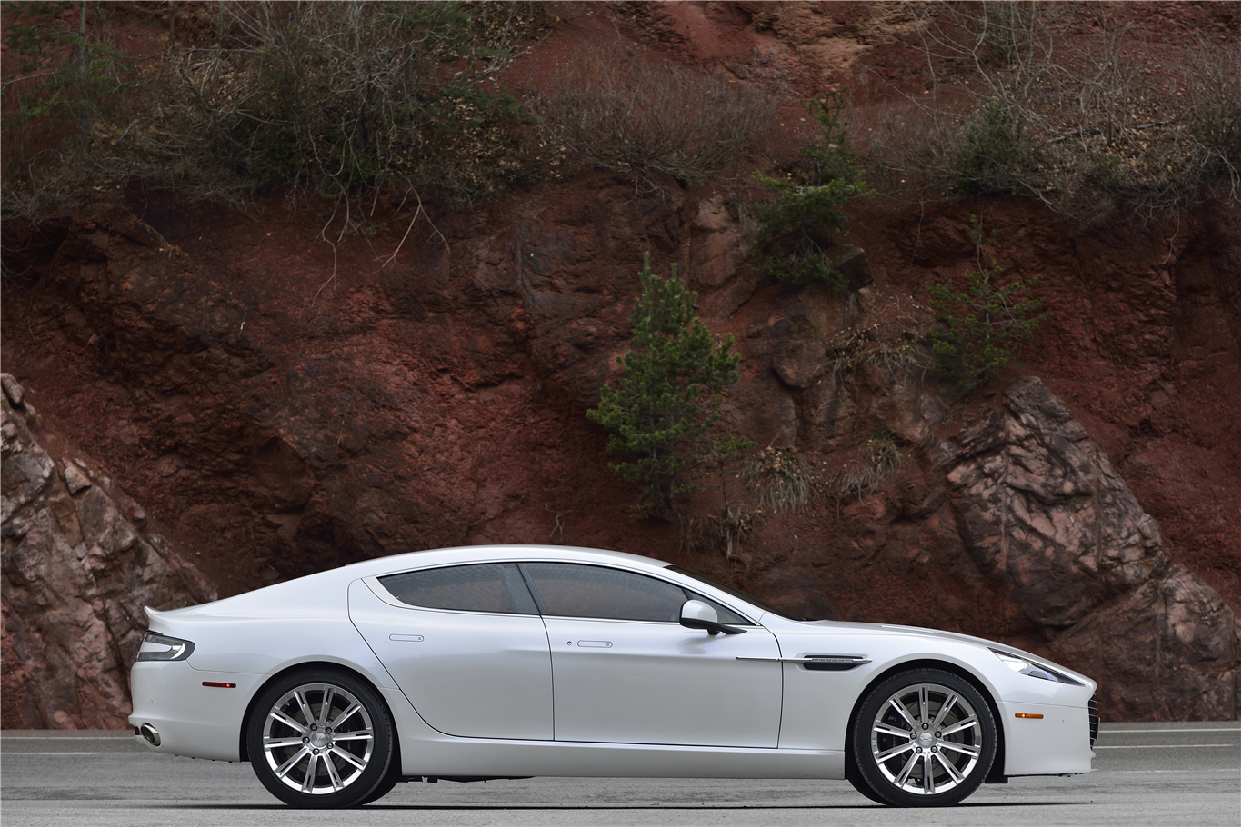 Aston Martin Rapide S The Worlds Most Beautiful Door Sports - Sports cars with 4 doors