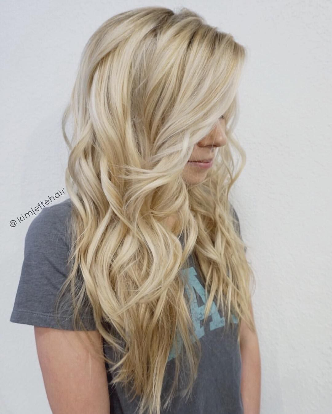 Women Hairstyles Messy Beach Blonde Hair Colorist And Blonde Balayage