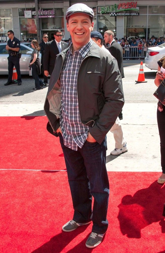 Wonderful Sean Hayes   The Three Stooges Red Carpet  Follow Me If You Love The Movies Pictures Gallery