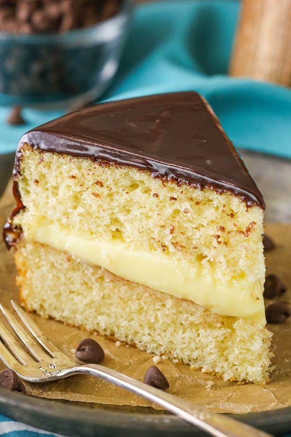 Boston Cream Pie! A classic vanilla cake with pastry cream filling and chocolate ganache! via @lifelovesugar #sugarcreampie