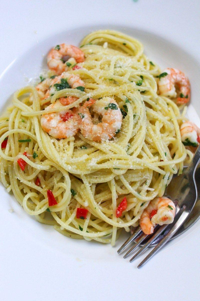 Spaghetti Aglio e Olio mit Garnelen und Chili – kitchensplace