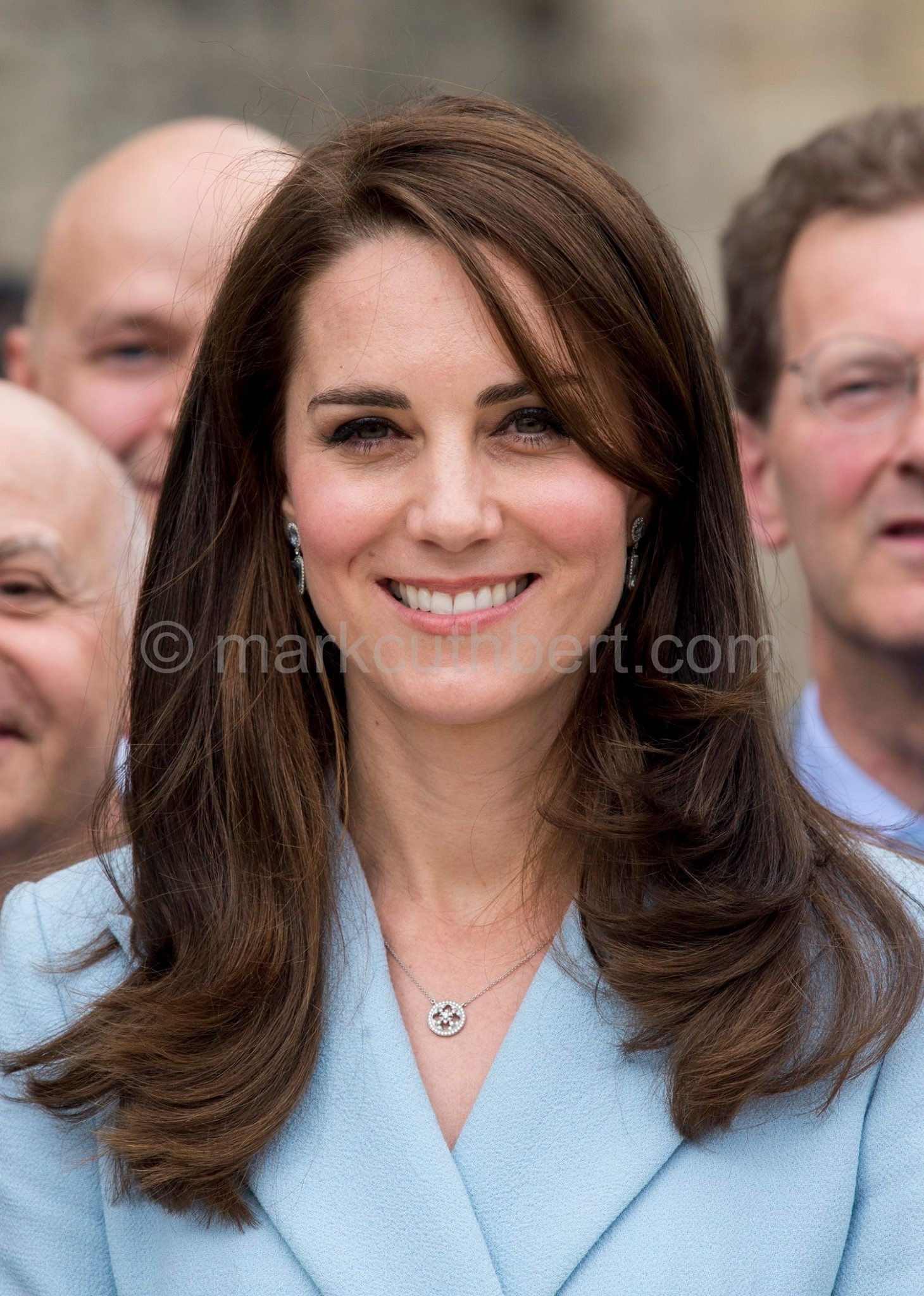 duchess katherine   haircut   kate middleton hair, princess