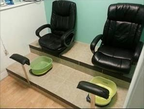 A Diy Pedicure Station Terrific Use Of The Belava Pedicure System By Shannon Reed Love It Pedicure Station Pedicure Salon Salon Decor