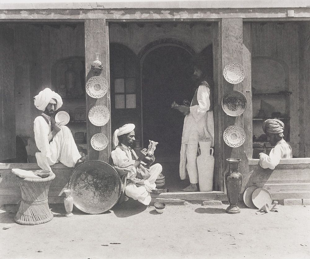 19th-century-india-rare-old-photos-lucknow-lahore+(5).jpg 1,000×836 pixels