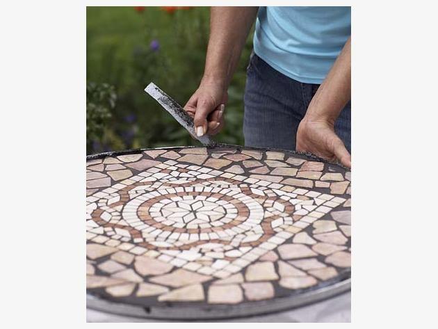 bauanleitung f r einen mosaiktisch kreatives pinterest mosaiktisch bauanleitung und mosaik. Black Bedroom Furniture Sets. Home Design Ideas