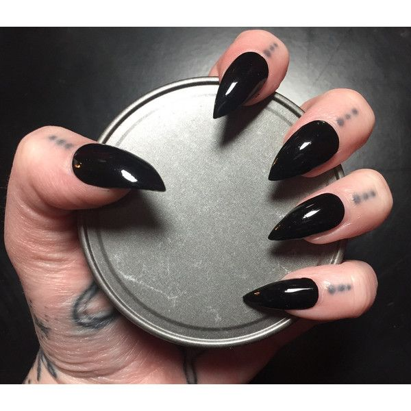 Black Stiletto Nails Full Set (42 BRL) ❤ liked on Polyvore featuring beauty products and nail care