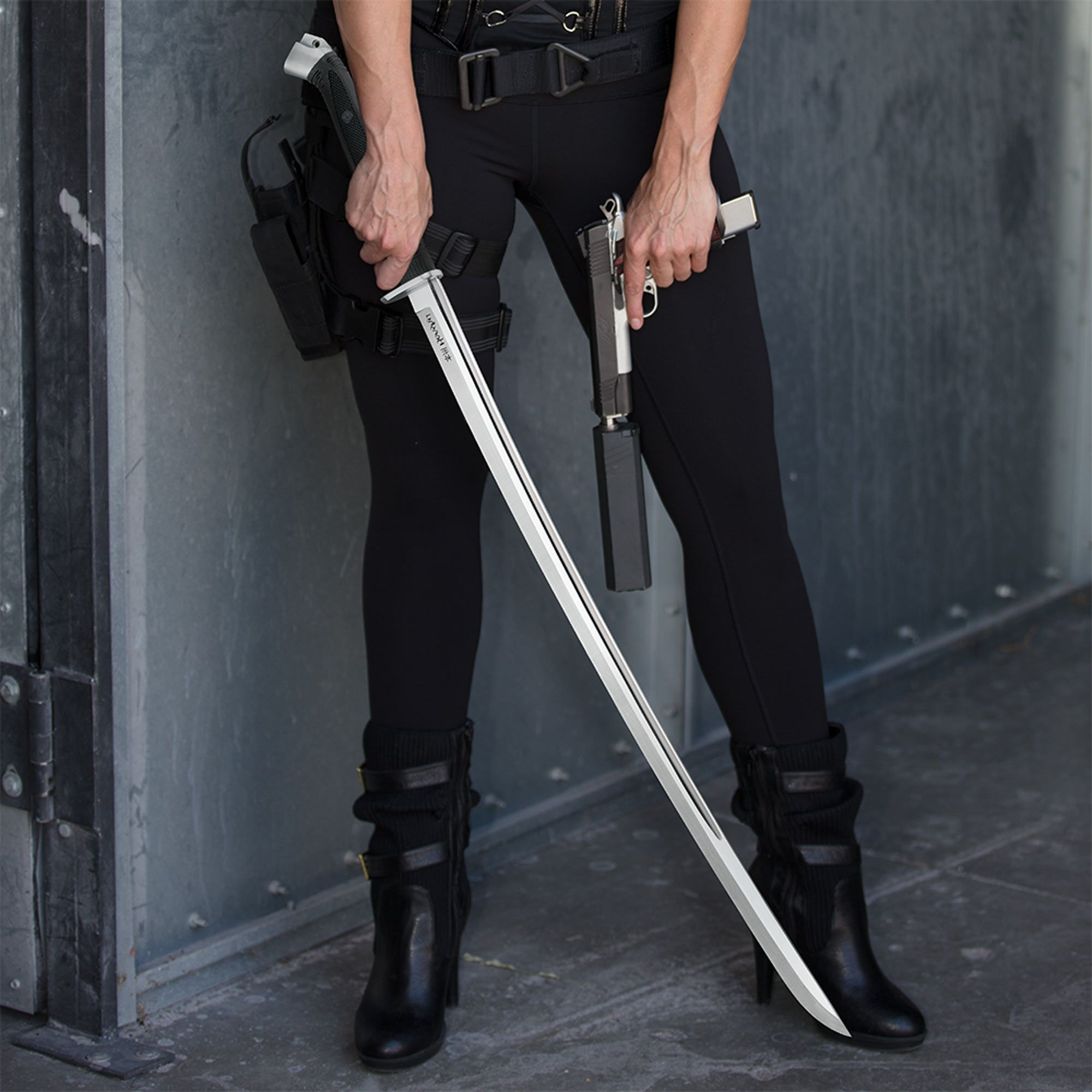 This Ain T Your Ordinary Katana Folks Designed For Real World Combat In The Modern World The Honshu Boshin Fuses Battle Pro Katana Ninja Sword Katana Swords