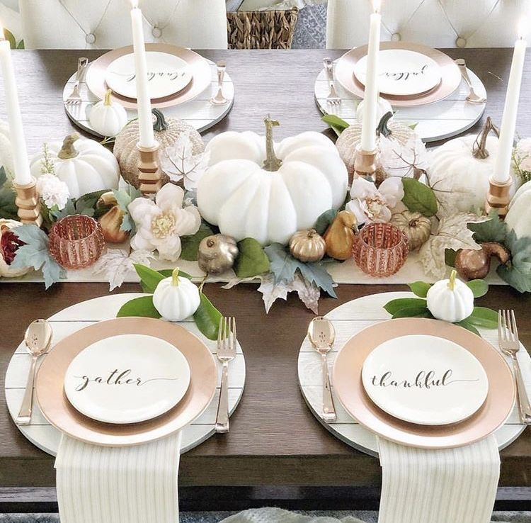 GOBBLE UP ALL THINGS YUMMY ON THESE THANKSGIVING TABLESCAPES