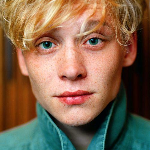 Frontal Portrait German Actor Blonde Freckles Green Eyes -8153
