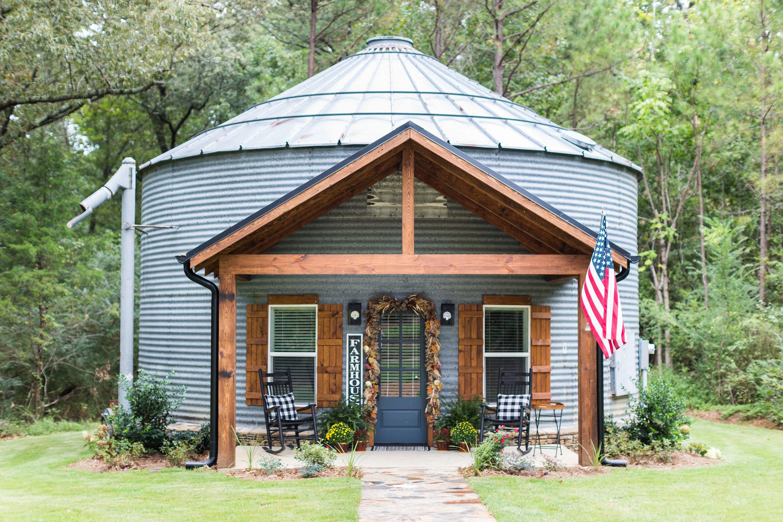 Turning An Old Grain Silo Into The Farmhouse Mud And Magnolias In 2020 Barn House Kits Farmhouse Decor Living Room Farm House Living Room