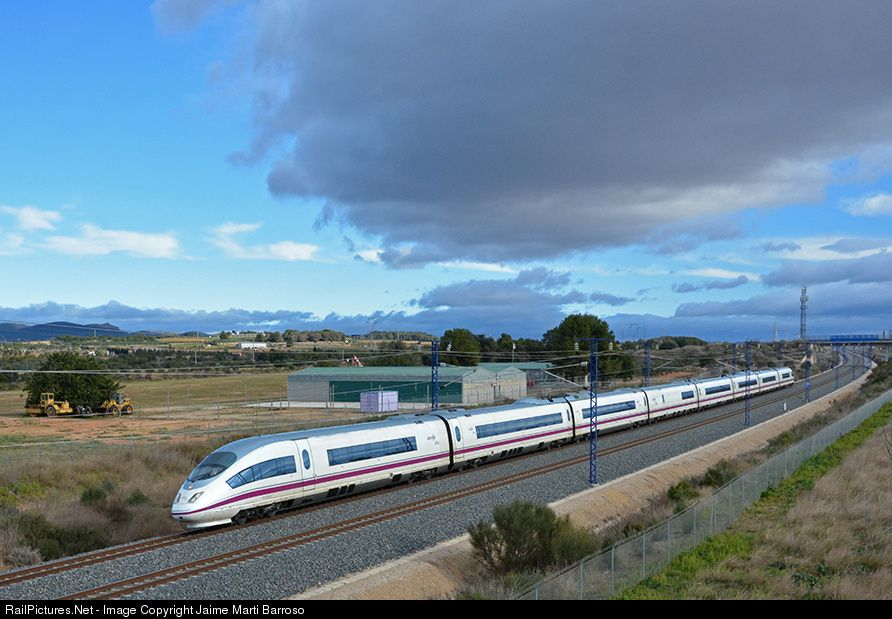 RailPictures.Net Photo: Renfe 103 at Tarragona, Spain by Jaime Marti Barroso