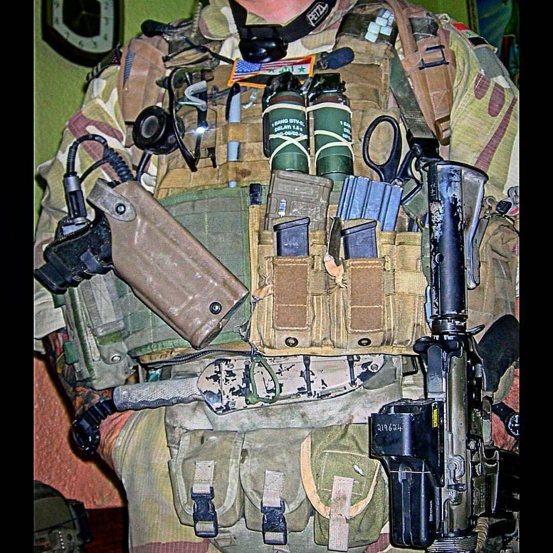 Assaulted load out. Military hobby blog: http://zimhangmen.tumblr.com/