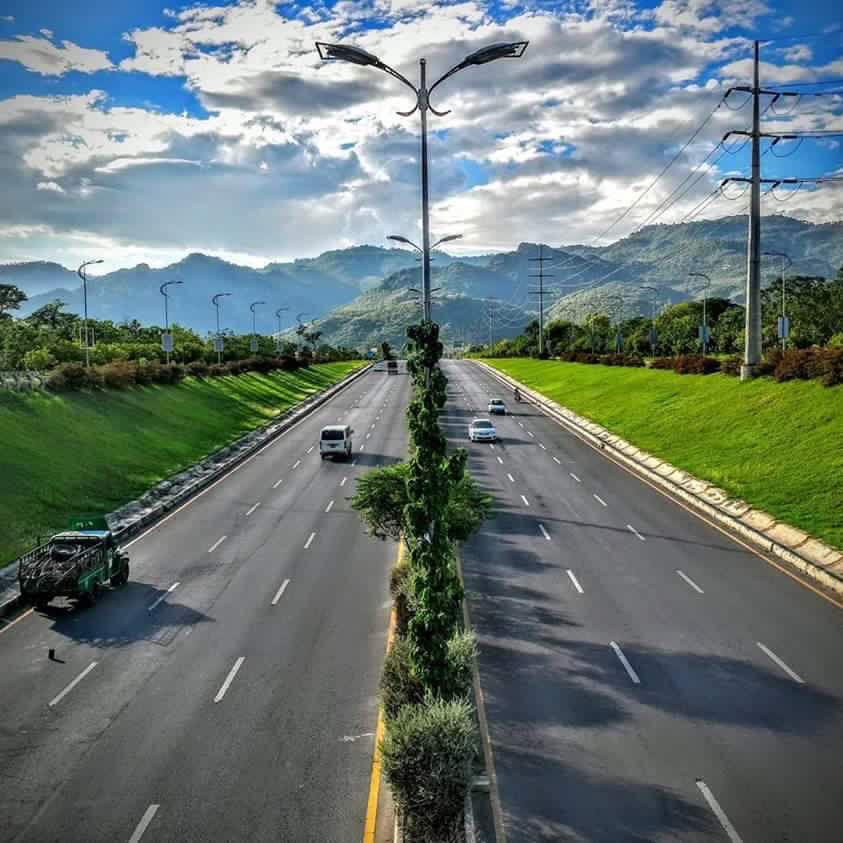 Islamabad Roads: Islamabad Pakistan, Pakistan