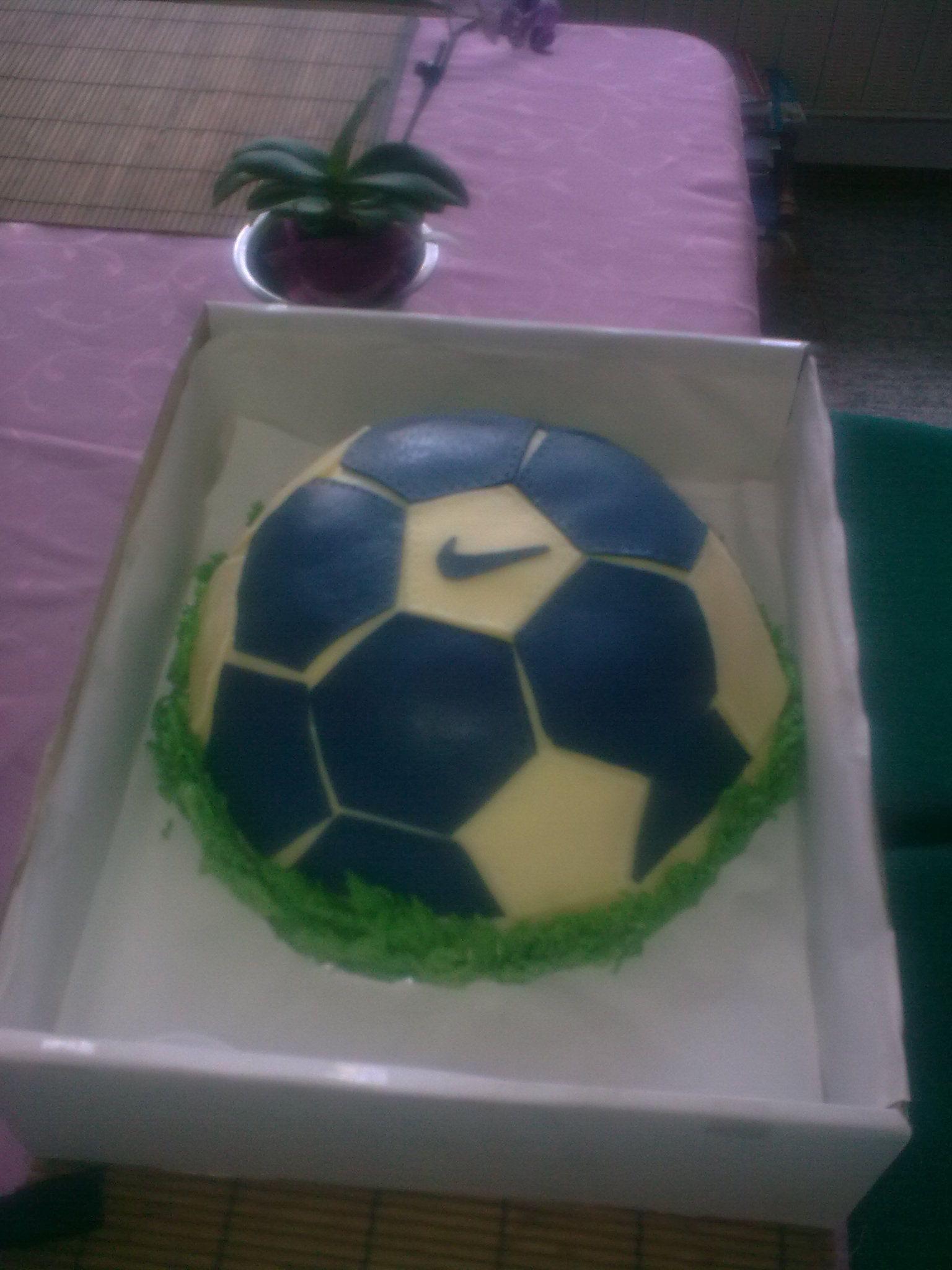 Cake - Soccer ball (vlastní tvorba)