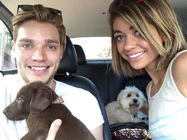 """Shadowhunters Events no Instagram: """"Dom and his girlfriend Sarah Hyland. #Shadowhunters Photo credit: @domsherwood."""""""
