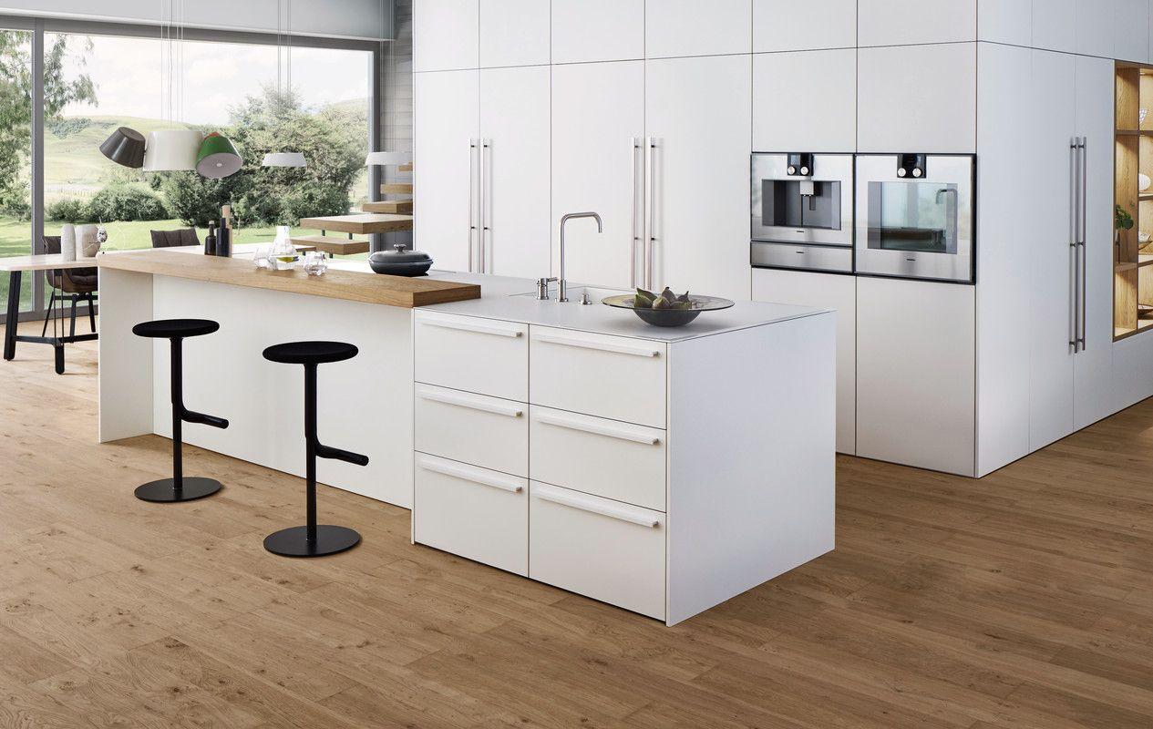Keuken Houten Bar : Wildhagen moderne witte designkeuken met groot kookeiland en