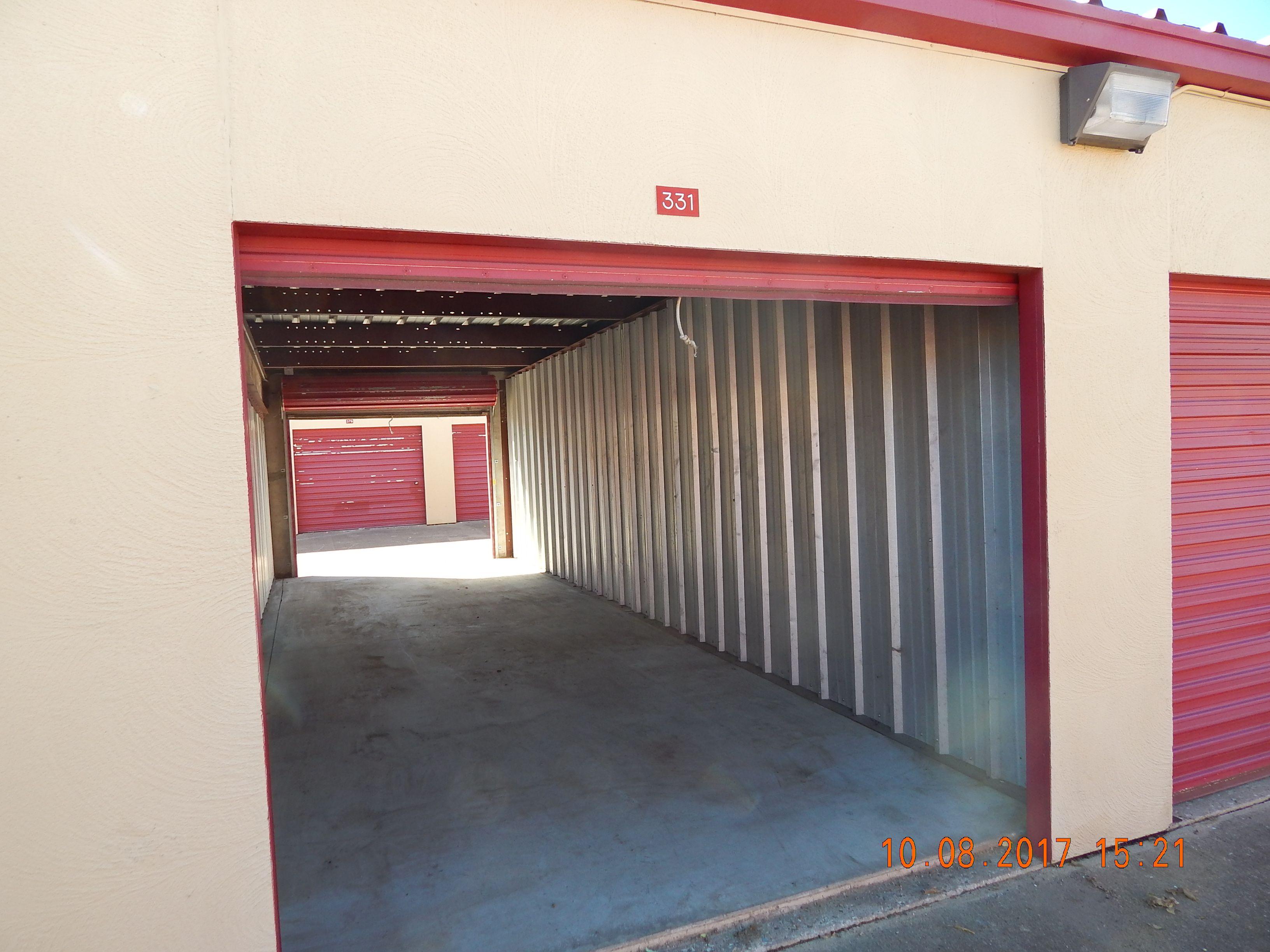 Pin By Sharonandmark Mccready On Adventures In Storage Unit Auctions 2017 Storage Unit Auctions Outdoor Decor Decor