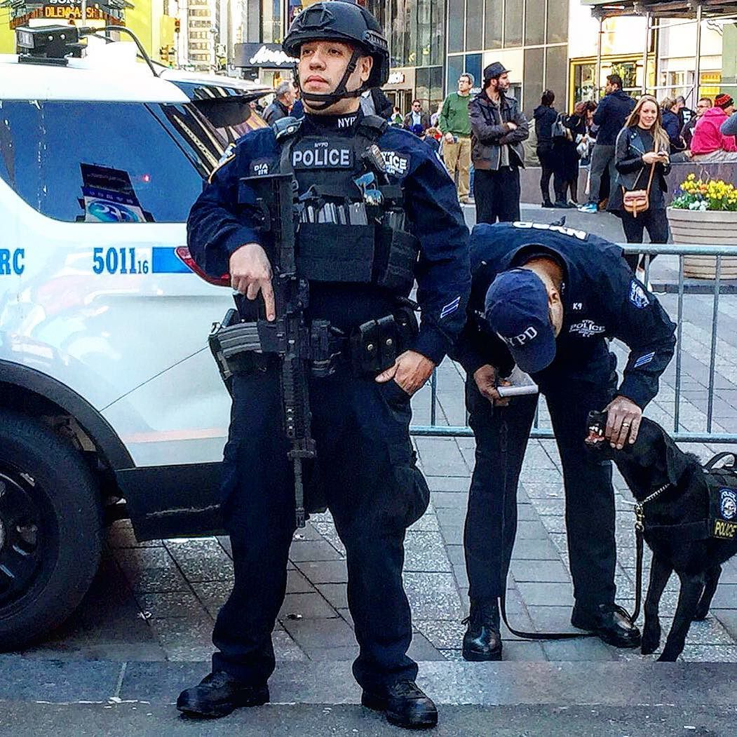 578e7d48 YEAH THAT'S RIGHT - 2 NYPD CRITICAL RESPONSE COMMAND OFFICERS AND THIER  BRAND NEW VAPOR WAKE DETENTION K-9 COUNTERPART..... by themajestirium1