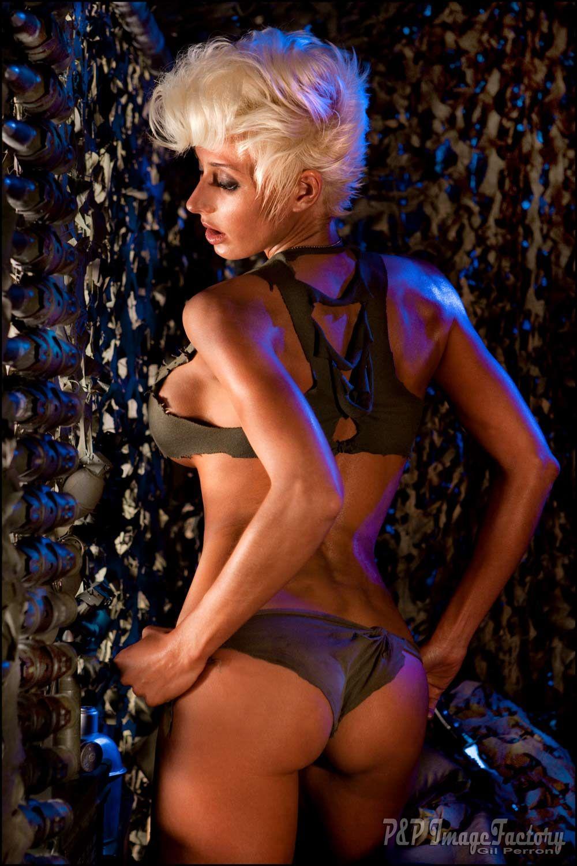 Nude chorus girl pics