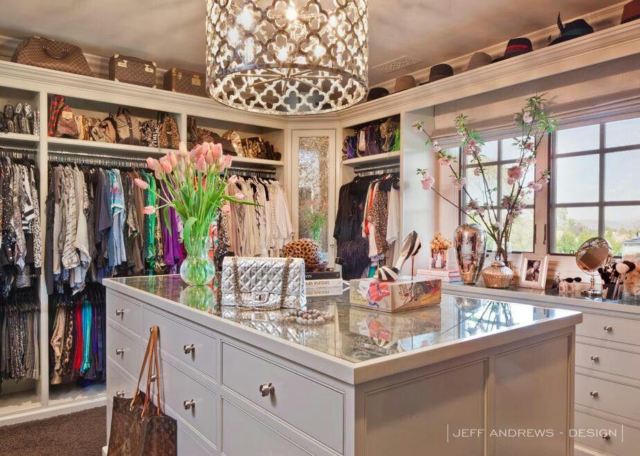 Khloe kardashian closet decoraci n pinterest pide for Decoracion casa kim kardashian