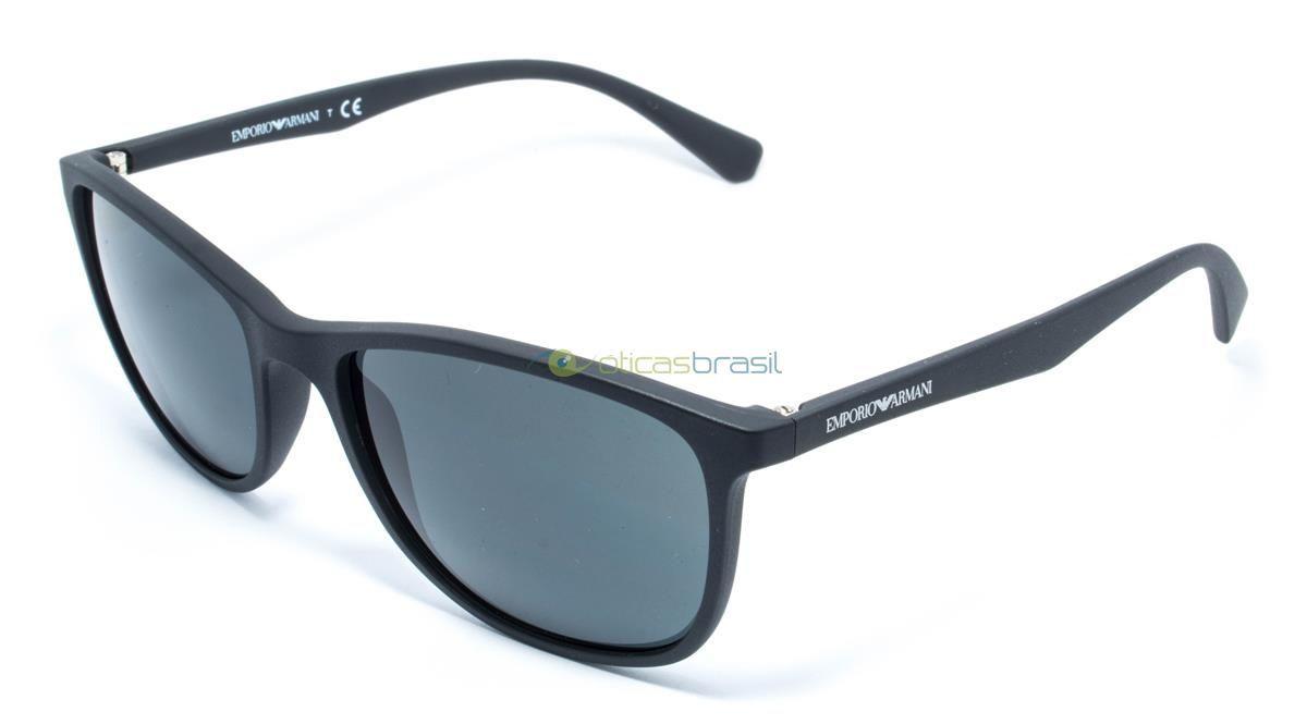Tendo como principal desenhista o próprio Giorgio Armani, Emporio Armani é a segunda marca da família Armani. Focada nas tendências e em traços modernos, mantém essa identidade na sua linha de óculos. Compre já o seu Emporio Armani EA 4074!  http://www.oticasbrasil.com.br/emporio-armani-ea-4074-5042-87-oculos-de-sol