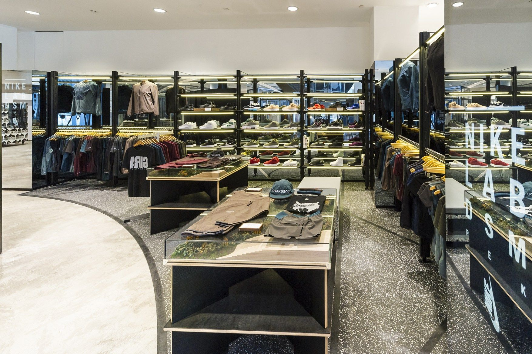 nikelab dsm london snapshot lr | shoe store. | Pinterest | Retail interior  and Interiors
