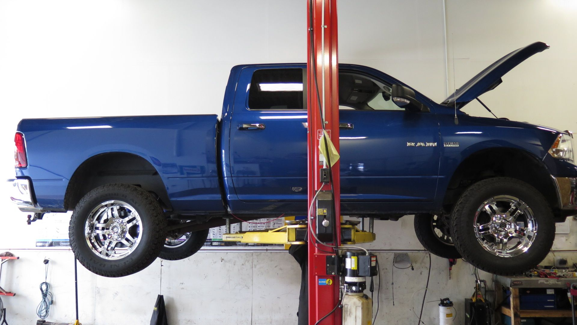 "2010 Ram 1500 2.5"" front/1.5"" rear Ready-lift lift kit Rear HD coil springs  Firestone Coilrite airbags ATX Artillery 20"" wheels 35"" General Grabber AT2  ..."
