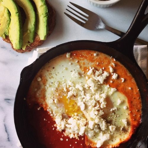 Eggs baked in chortle sauce -- healthier chilequile alternative?