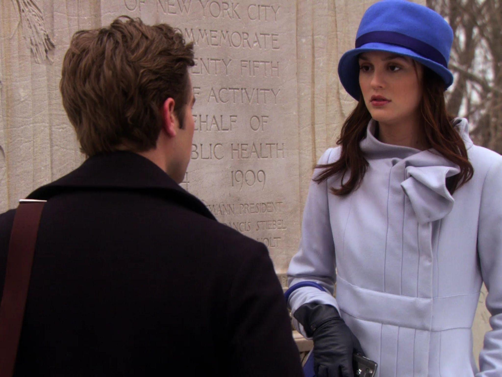 Blair waldorf gossip girl violet purple blue hat and coat street