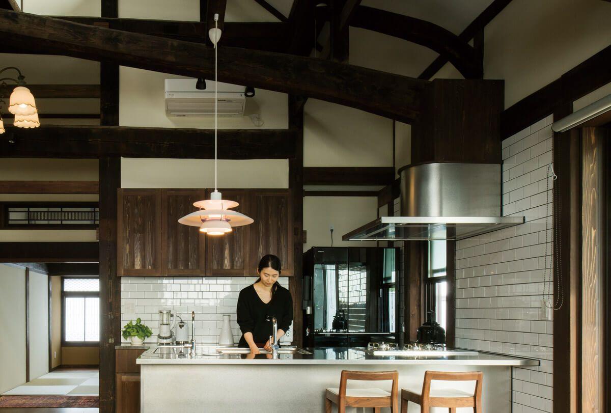 お手本にしたい 白タイルのキッチン いろいろ 日本のインテリア