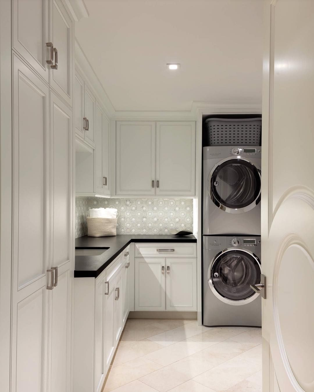Room With Nothing In It: Nothing Like A Clean And Spacious Laundry Room ...