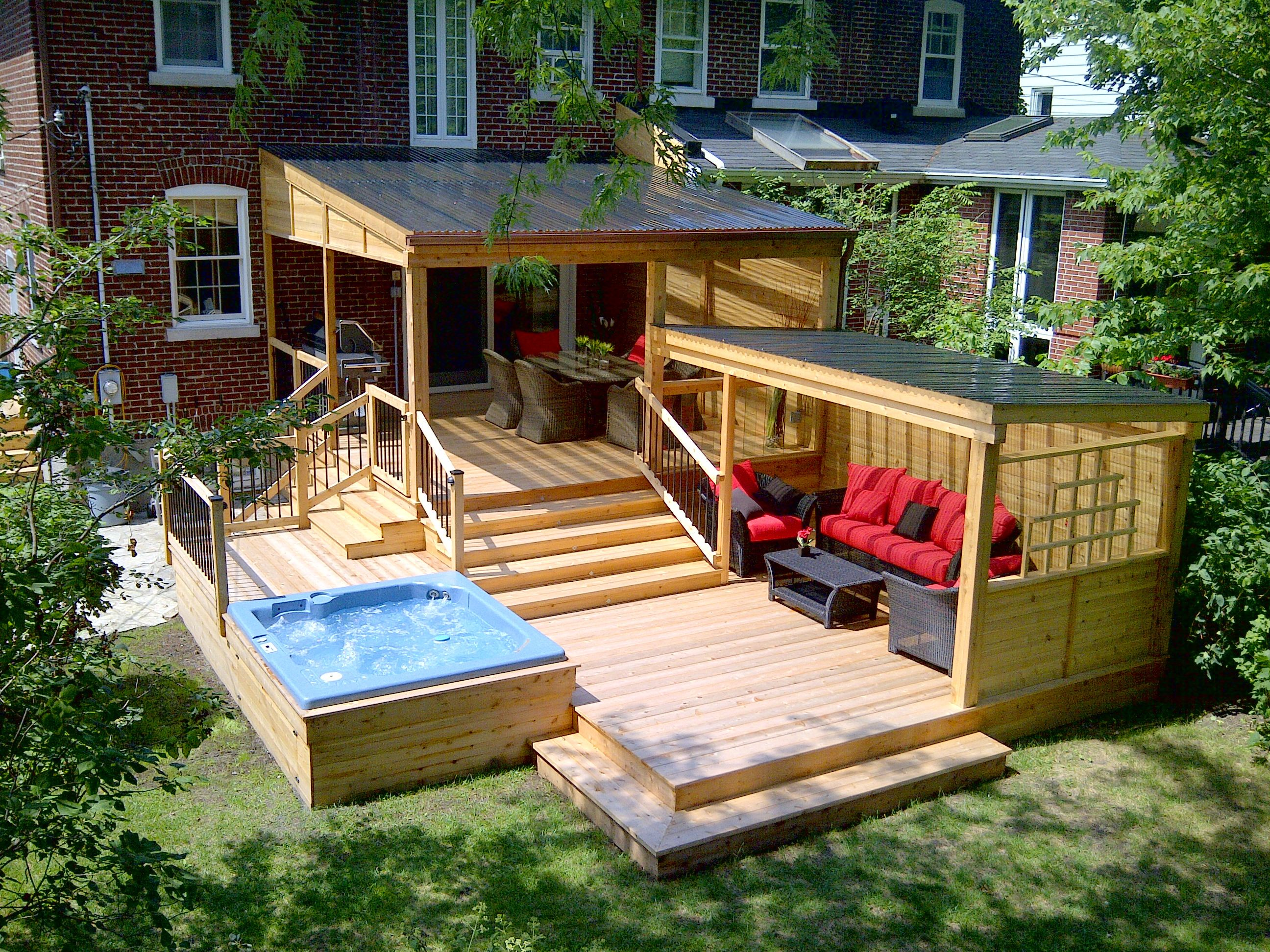 multifunctionnal red cedar deck with covered dinning and lounging area and integrated hot tub. Black Bedroom Furniture Sets. Home Design Ideas